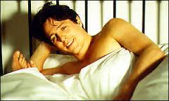 LBF Hugh Grant dans un lit