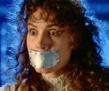 LBF femme avec plaque sur bouche