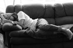 LBF homme qui dort noir et blanc